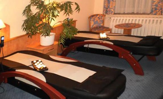 Hotel Lindenhof Königstein Wellness Massageliegen
